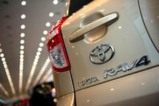 Toyota отзывает 900 тыс. авто.